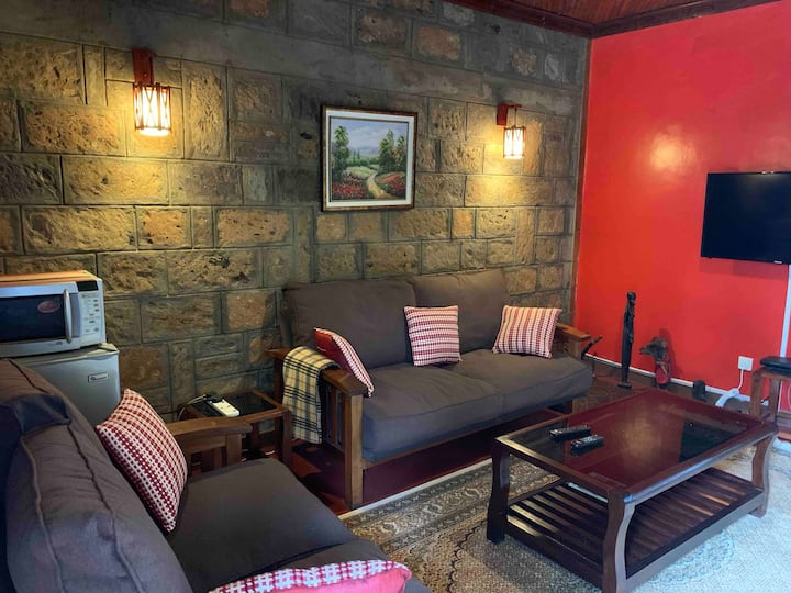 Cosy One bedroomed Apartments behind Gateway Mall