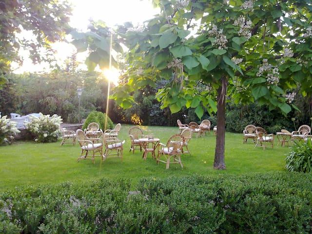 Ampi spazi verdi, a due passi dal mare... - Pontecagnano Faiano - Oda + Kahvaltı