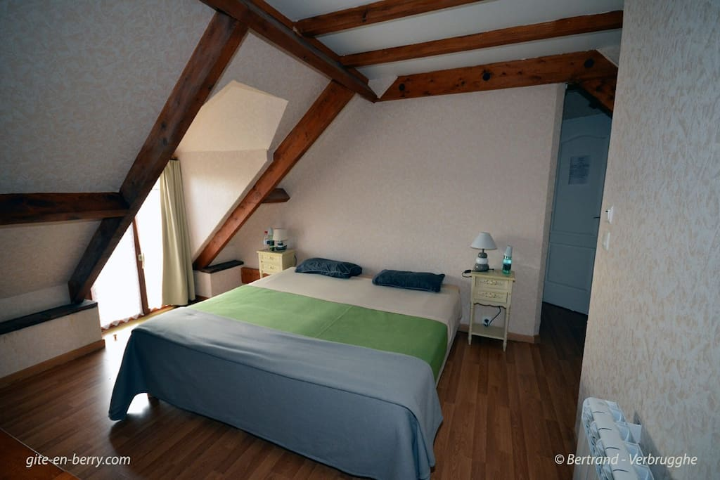 Chambre avec grand lit 180*190