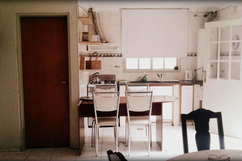 Desayunador y cocina