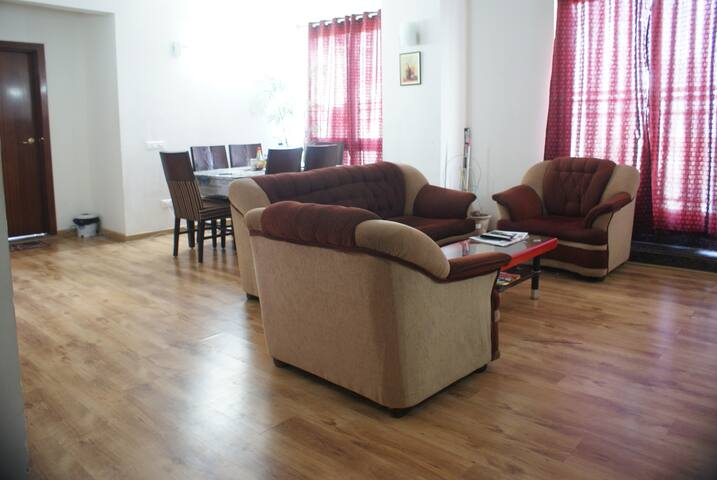 Hollywood Premium Suites - Бангалор - Квартира