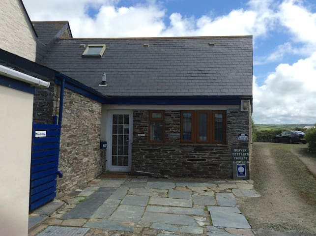 Beaver Cottages - The Smithy, close to Tintagel - Tregatta - Casa