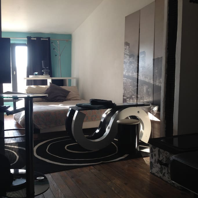 la chambre salon au coeur de marmande maisons de ville. Black Bedroom Furniture Sets. Home Design Ideas