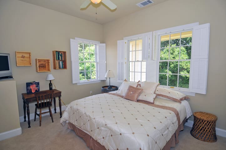 Chardonnay Suite - Second floor facing creek and sunrise.  King bed.  Flat screen TV.  Bathroom with tub/shower.