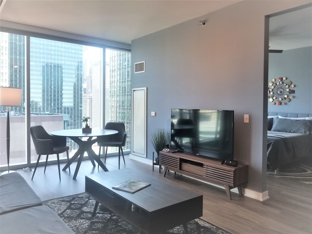 Quality furnishings with thoughtful design for an exception experience!    Floor to Ceiling / Wall to Wall windows to take in the amazing city with some river views!