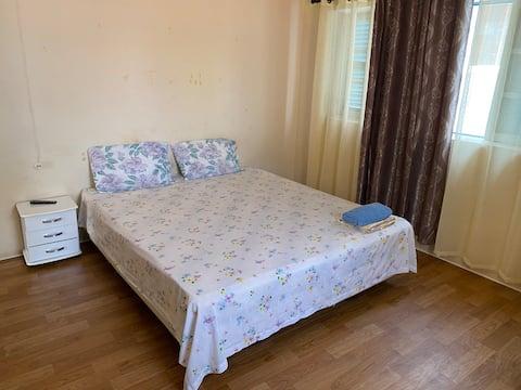 Kotimajoitus: Yksityinen huone 5 minuutin päässä laiturilta