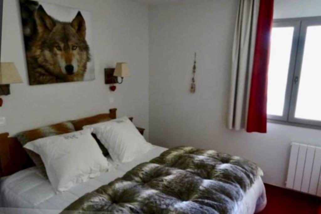 Chambre avec lit double en 160cm