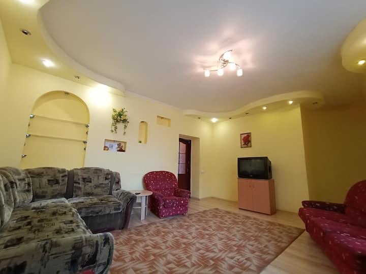 3 комнатная квартира на Сумской в центре Харькова