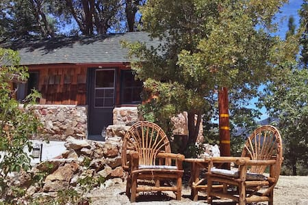 Deer Creek Studio Cottage - Idyllwild-Pine Cove - Guesthouse
