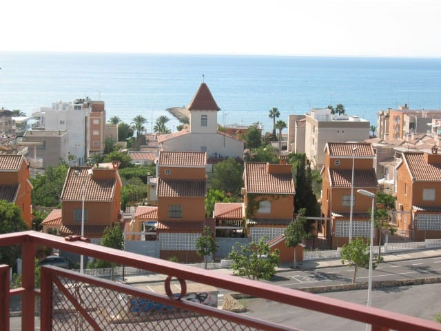 Apartamento con vistas al mar cerca de la playa flats - Mar de cristal santa pola ...