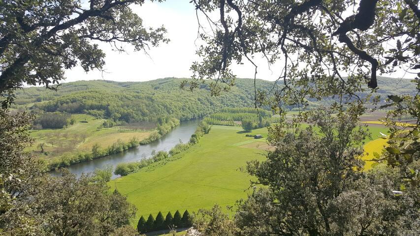 Dordogne River La Dordogne