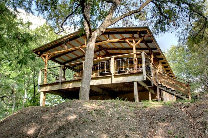 Catfish Haus - Wundercove Cottage