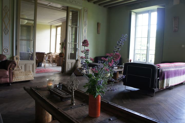 Boutique yoga retreat centre, Master Room - Chalabre - House