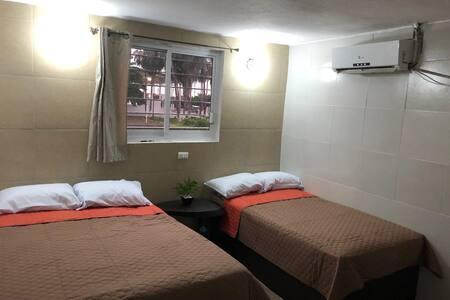 Casa Madero habitación a una cuadra Del Mar hab 3