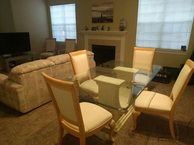 Comfy sofabed in cozy livingroom - San Antonio - Apartamento