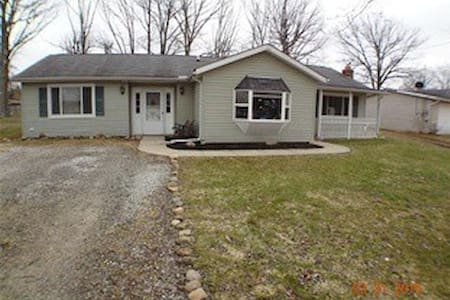 Ranch Home Centrally Located - Grafton