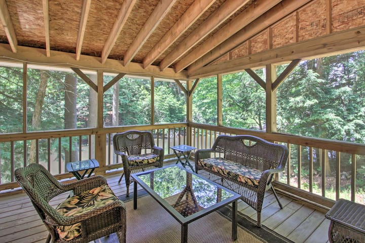 Luxe Riverfront Home w/Decks + Dock by Lake Horace