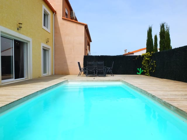 Ceret - 3 Bedroom House with Private Pool & A/C