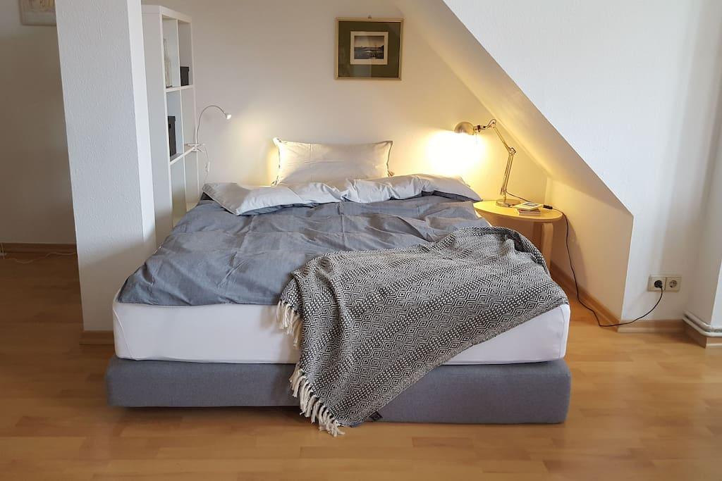 Schlafgelegenheit für zwei Personen 160 × 200 cm.