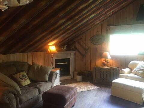 Unique Apartment Near Grayson Highlands State Park