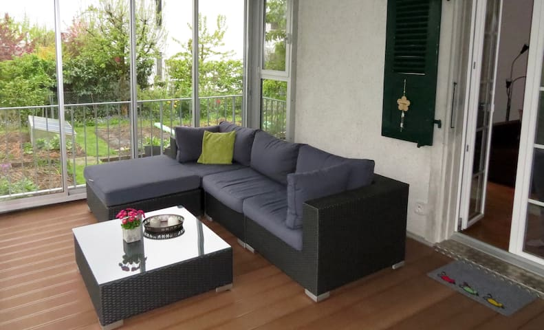 Möblierte 3-Zimmer Wohnung im Zentrum von Lyss - Lyss - Daire