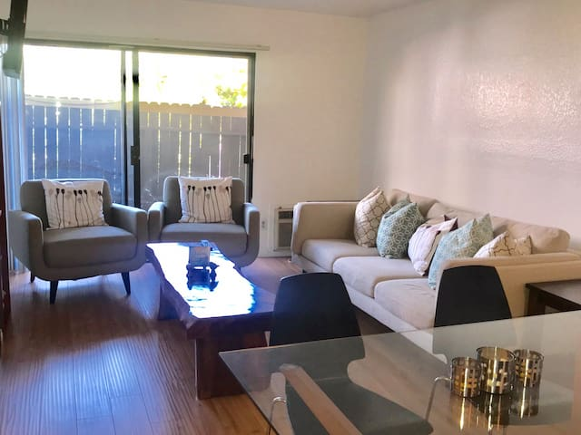 Beautiful apartment in downtown Culver City.