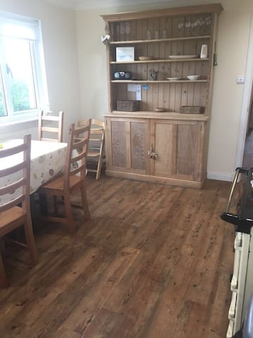 Central Location for Exploring UIST, 3 bed Cottage - Benbecula - Haus