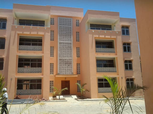 Quiet 2 Bedroom, 2.5 BR Apartment; near beach