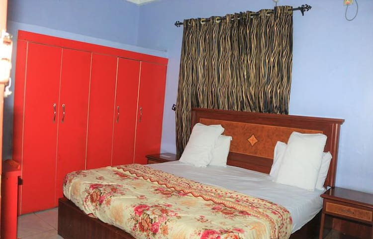 Row Hotels  - DELUXE ROOM