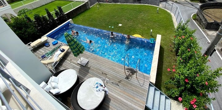 L POOL 5 BR 5toilets sea view villa