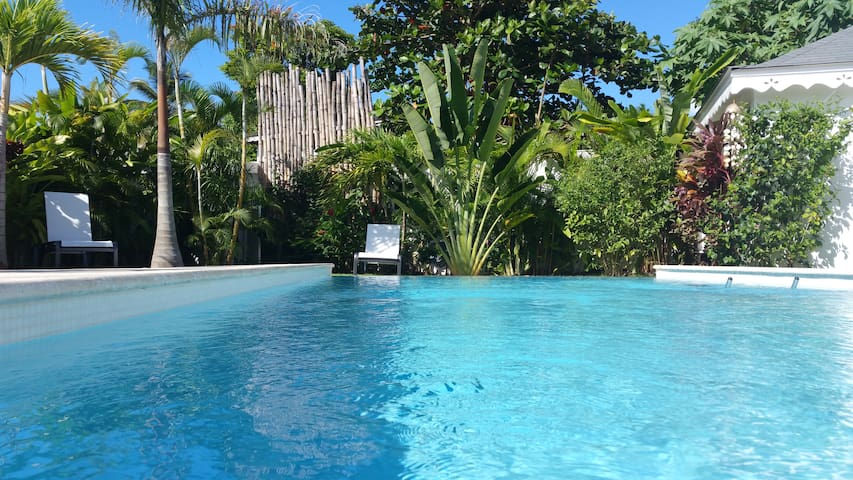 CASA LUNA, Las Terrenas. Beach 3min walk, pool