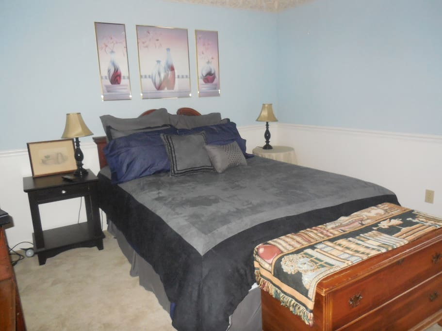 Private Space Queen Sized bed with walk-in closet and full bath.