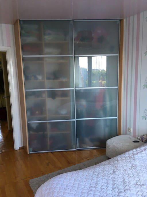 Шкаф в спальне / Bedroom wardrobe