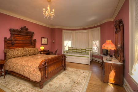 Historic Bed and Breakfast - The Rose Room - Appartement