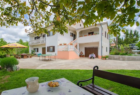 Apartment Danila, 4 + 1