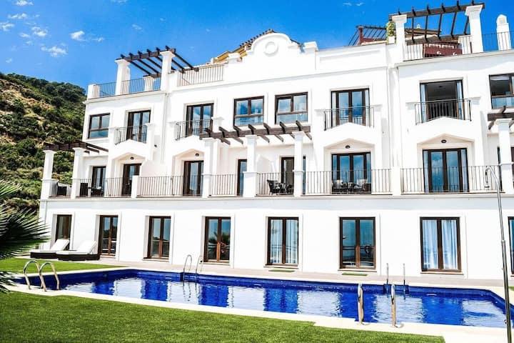 Modern Two Bedroom Villa With Indoor Pool & Spa