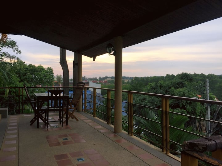 2 bedroom apartment in Kata with sunset views