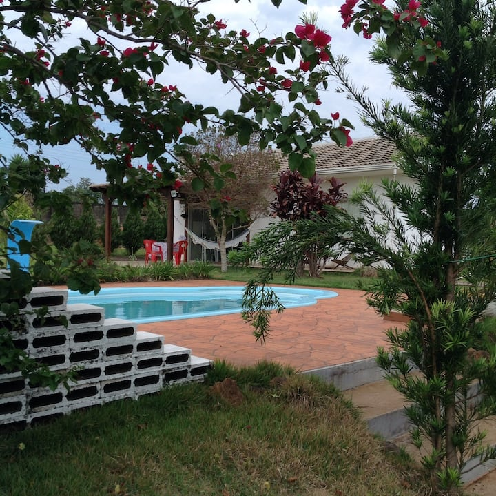 Private Guest House with pool and garden