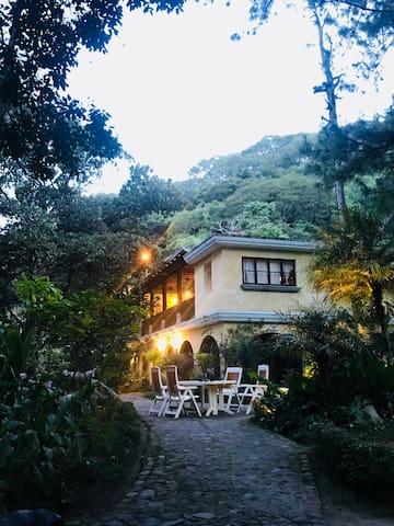 Casa Quixote - Coffee Mountain