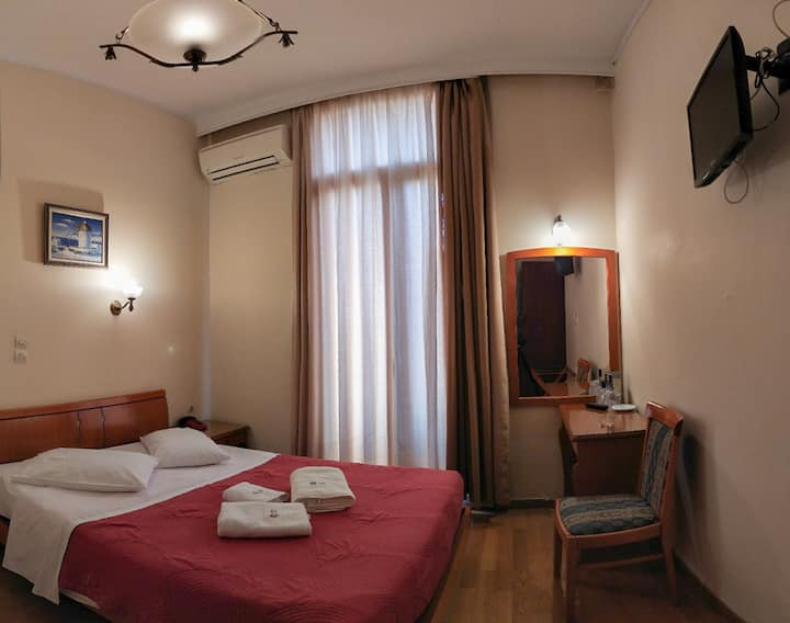 Hotel cecil economy double room