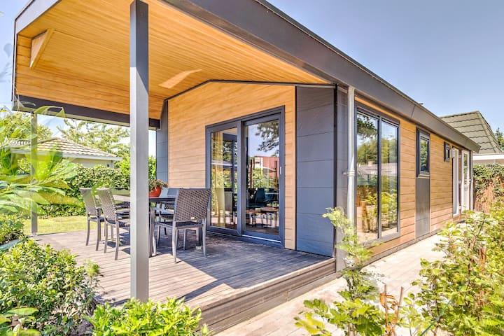 Bonito bungalow con jacuzzi en Kaastsheuvel