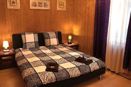 AUSFinn-Apartments, BEST LOCATION - Wohnung
