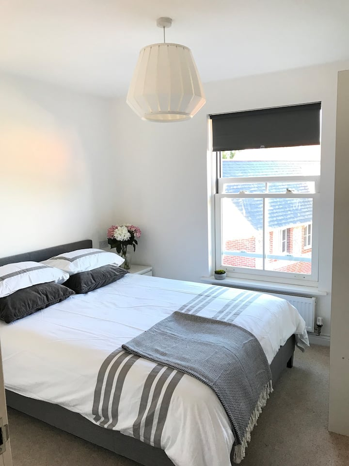 Cosy and bright 1 bed flat in Winchester.