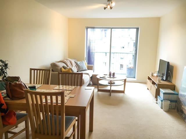 Two double bedroom Farnborough Airshow rental