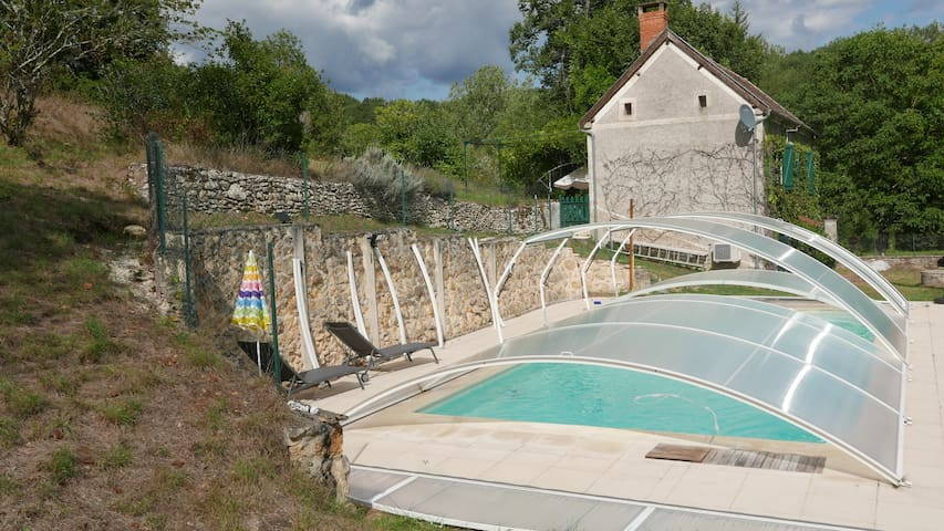 Le Petit Fonfroide with private pool
