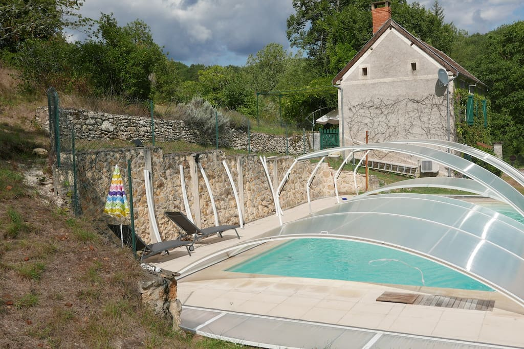 le petit fonfroide with private pool houses for rent in montignac nouvelle aquitaine france. Black Bedroom Furniture Sets. Home Design Ideas