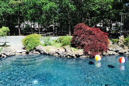 Hamptons retreat with pool & tennis - Westhampton - บ้าน