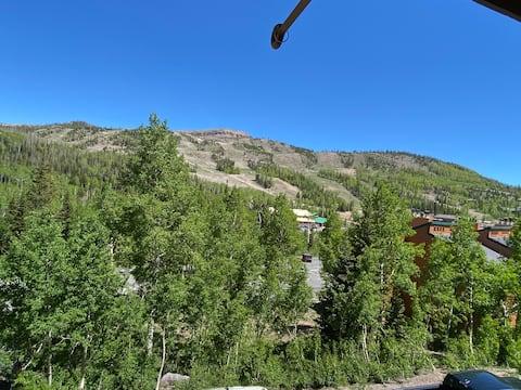Modern condo overlooks Brian Head  ski resort