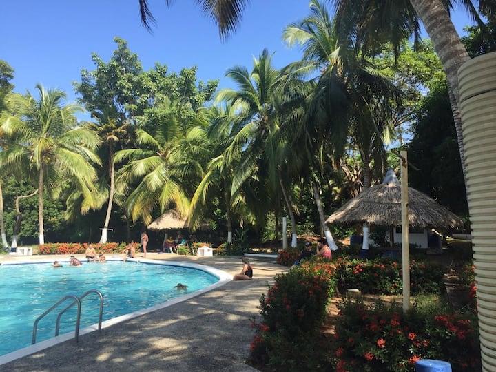 En hermoso conjunto privado con playa y piscina