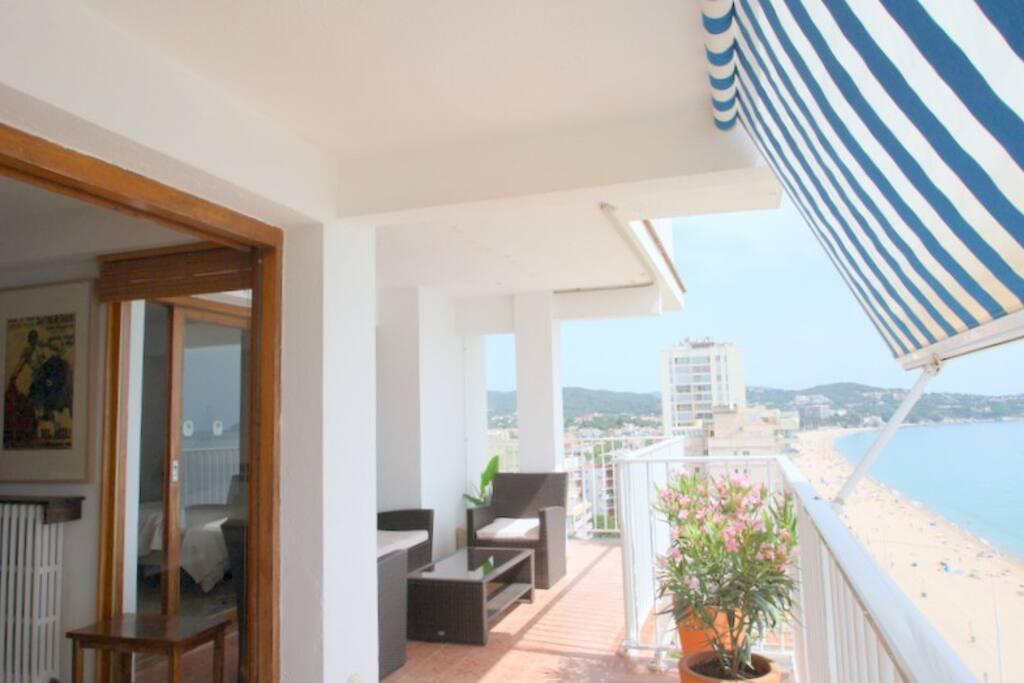 Balcony 40m2 (13th floor)